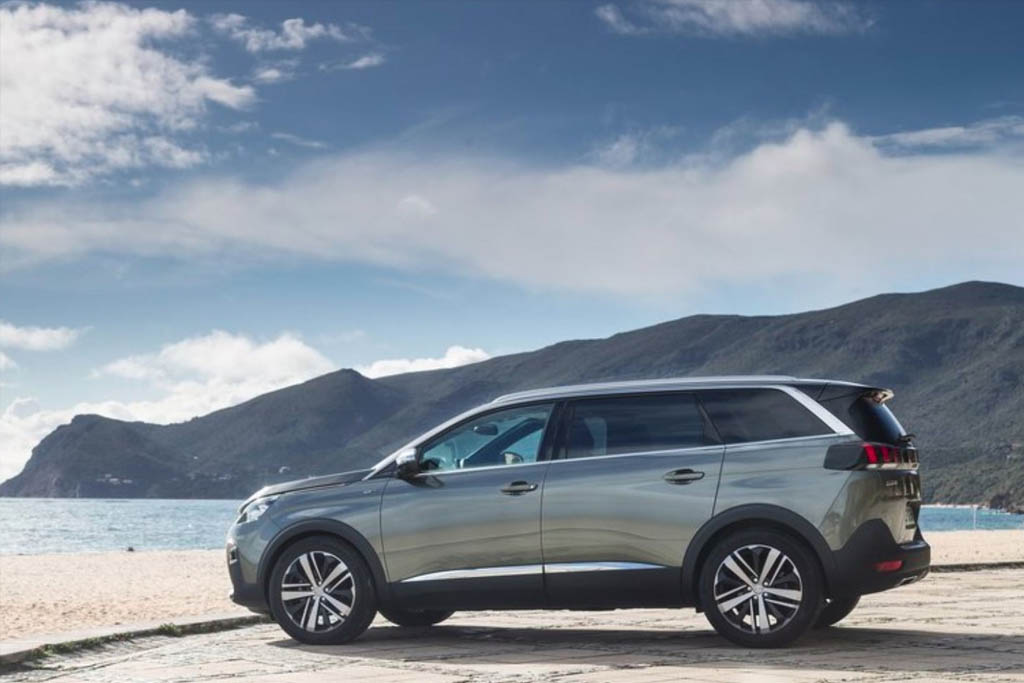 Peugeot 5008 is Ireland's Best Selling 7 Seater